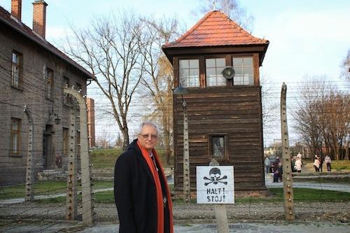 Dajani Auschwitz (500x333).jpg