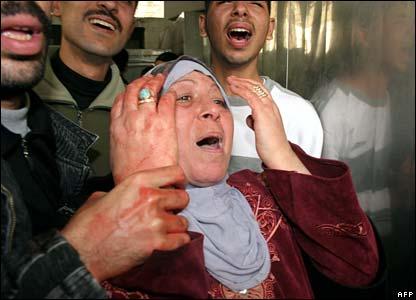 Gaza mourner.jpg
