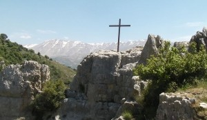 cross-lebanon-300x174.jpg